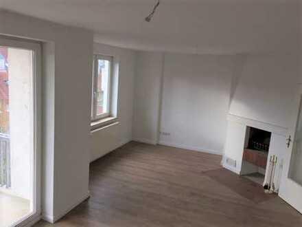 helle 2-Zimmer Wohnung mit Südbalkon und offenem Kamin