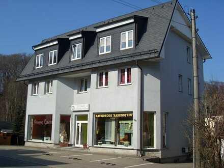 2-Raum-Wohnung mit Einbauküche und Terrasse