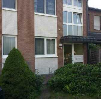 gemütliche 2 Raum Erdgeschoss/Souterrain Wohnung, mit großem Balkon, in Dinslaken (Hagenviertel)