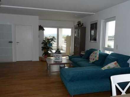 Neuwertige 3-Zimmer-Wohnung mit Loggia und Einbauküche in zentraler Lage in der Stadt Homburg