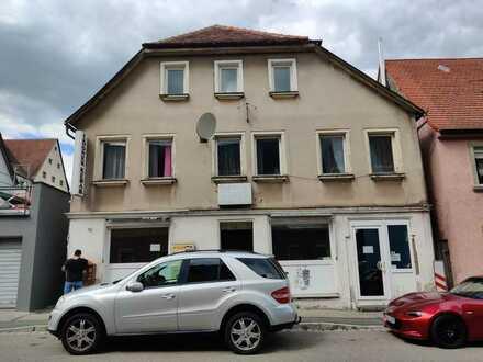 Großes sanierungsbedürftiges 15-Zimmer-Mehrfamilienhaus zum Kauf in Wilhermsdorf