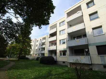 ** Für Familien ** 4-Zimmer Wohnung // Balkon //Wannenbad