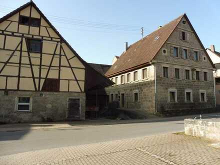 Hier können Sie Ihre Ideen verwirklichen - großes Bauernhaus mit Scheune !!!