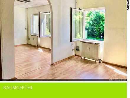 Großzügige Praxis- o. Bürofläche mit außergewöhnlicher Grundrissaufteilung (KA-Waldstadt)