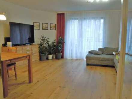 Schöne 4-Zimmer Wohnung in der Altstadt, Neubau, Lift, TG, Balkon
