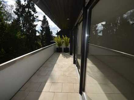 Hochwertige Maisonettewohnung mit 2 Bädern, großem Balkon und Garage.