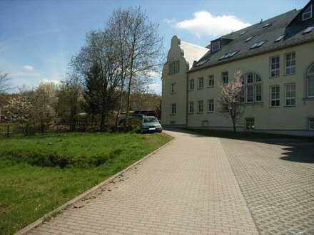 2-Zi-Maisonette-Wohnung auf 3 Ebenen plus Arbeitsbereich! Stellplatz und Gartenanmietung möglich!