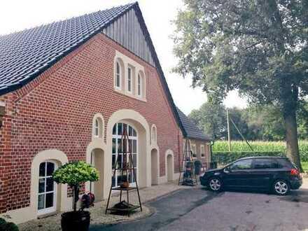 1.250 €, 226 m², 5 Zimmer