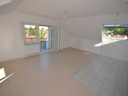 Neu sanierte 2 Zimmerwohnung, mit Balkon und schöner Aussicht in Kirchheim