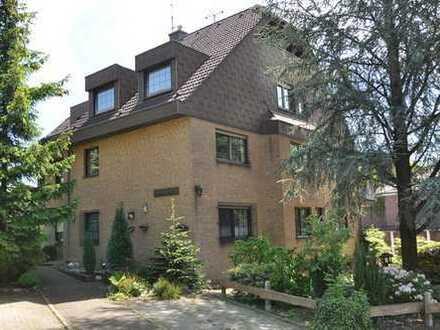 Gewöhnlich gibt es schon genug! 202 m² Wohnung mit Haus-im-Haus-Charakter in Essen-Bredeney!