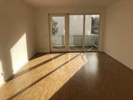 Hochwertig ausgestattete, 3-Zimmer-Wohnung mit Balkon und EBK in Raderthal, Köln