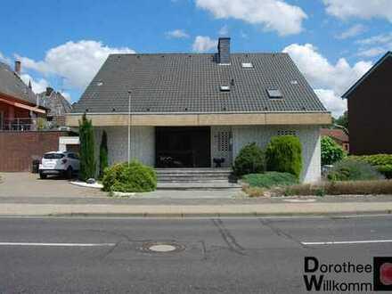 !!Provisionsfrei!! Freistehendes Einfamilienhaus mit ca.300m² Wohnfläche