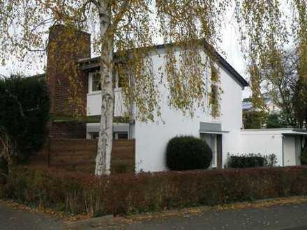 ALBERT WOLTER 1919 IVD. Rodenkirchen Malerviertel, freistehendes Zweifamilienhaus in bester Lage
