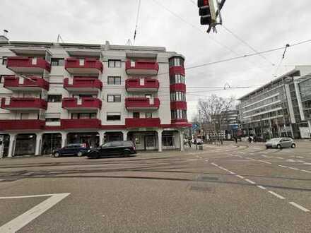 Frisch renovierte 3 Zimmerwohnung mit Balkon und TG-Stellplatz in KA-City