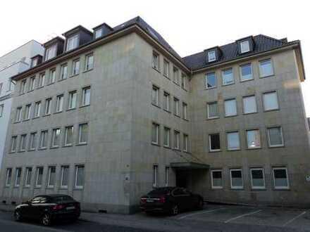 Schicke 3 ZKBB-Maisonettewohnung im Dachgeschoss mit Aufzug in Zentrumsnähe! (Marktstr.)