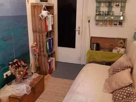 Zwei 13 qm Zimmer in sympathischer dreier Wg