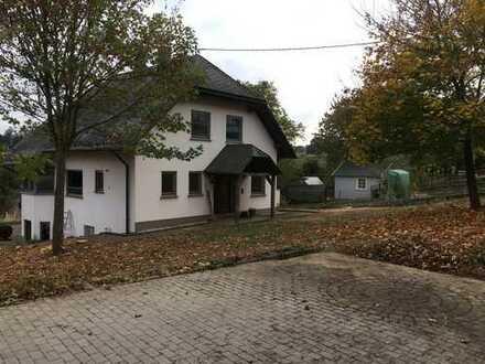 Einfamilienhaus, freistehend, großes Grundstück