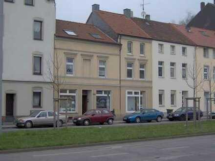 DU-Neudorf / 4-Zimmer-Wohnung / Nähe Hauptbahnhof-WG tauglich