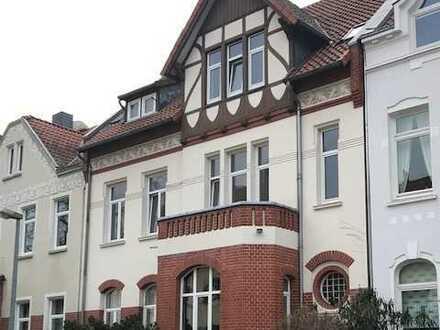 Philosophenviertel.Vollständig renovierte 3,5-Zimmer-Altbauwohnung mit 2 Balkonen