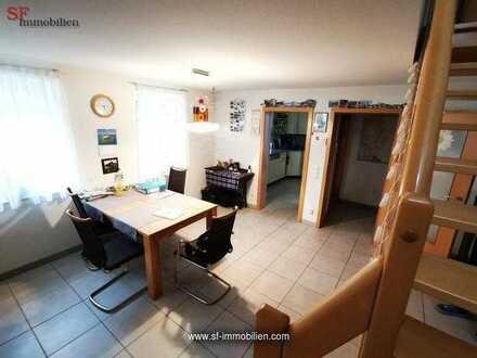 Moderne 5,5-Zimmer-Wohnung auf 2 Etagen mit Balkon