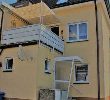***Komplettes Haus mit Balkon und Garage in ruhiger Lage***