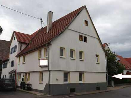 Einfamilienhaus (DHH) mit Kamin, Garten, Carport und Scheune (ca. 200 m²) in Malmsheim