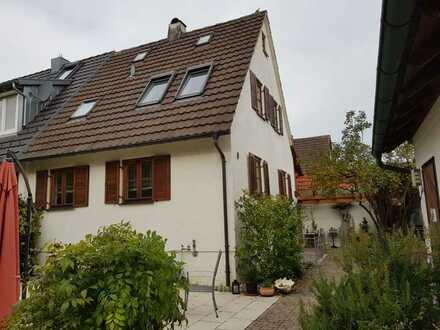 Modernisierte 2-Zimmer-DHH mit Garten, FN Schreienösch