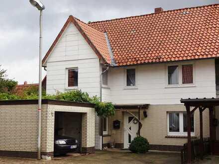Gemütliches, modernisiertes Haus mit Nebengebäude, Außenpool und romantischem Garten in Wulften