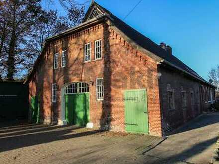 Ein Haus - 1000 Möglichkeiten: 14-Zimmer-Landhaus in Feldrandlage! Gestaltungspotenzial!