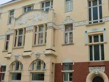 Schöne Etagenwohnung im historischen Gründerzeithaus