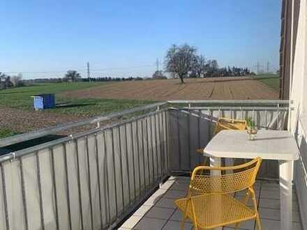 Sonnendurchflutete 4 Zi. ETW in ruhiger Feldrandlage in KA-Palmbach mit Gartenanteil, Kamin, Garage