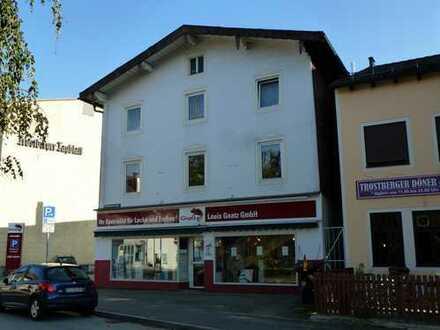 Geschäfts und Wohnhaus im Stadtzentrum von Trostberg zu verkaufen