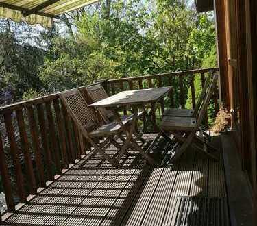 Gepflegte 5-Raum-DG-Wohnung mit Balkon und Einbauküche in Stein