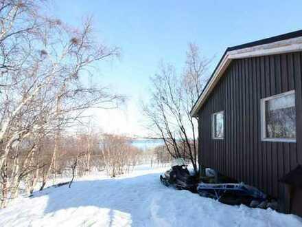Ferienhaus (Off-Grid) in phantastischer Lage am Fjord und Berg in Finnmark, Norwegen