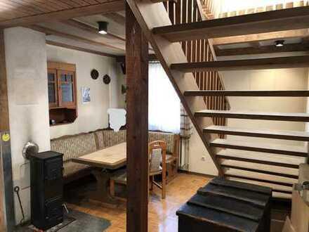 Schnäppchen: Maisonette-DG-Wohnung mit Blick ins Grüne
