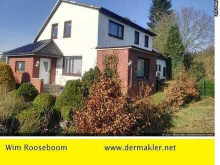 Harpstedt: Gepflegtes Zweifamilienhaus mit großem Grundstück in ruhiger Lage