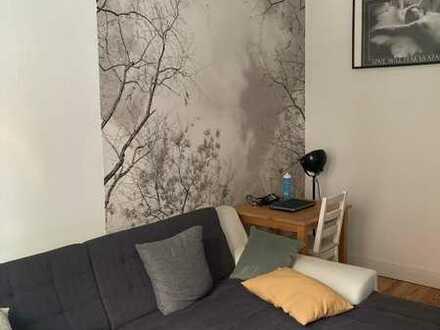 Hübsches 20 qm-Zimmer mit Balkon in 2er-WG