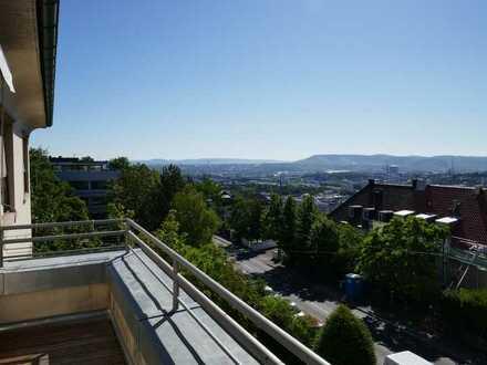 Freundliche, helle 5-Zimmerwohnung mit Balkon und Ausblick in Stuttgart-Nord