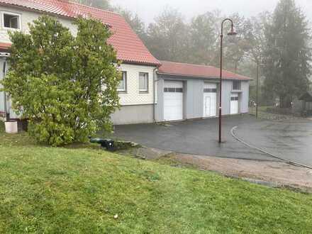Wohn-/Ferienobjekt mit großer Garage und Freifläche