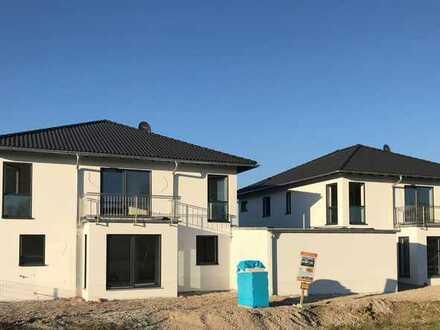 Erstbezug mit Balkon/Garten: schöne 3-Zimmer-Wohnung in Eich