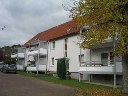 *Im Grünen gelegene 3-Zimmerwohnung mit Balkon*