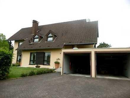 Gepflegte 3-Zimmer-Wohnung mit Balkon und Einbauküche in Ehlscheid