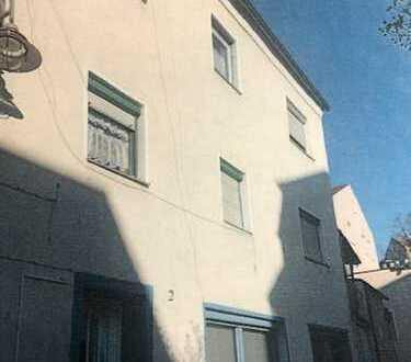 Innenstadtlage in Schwandorf, Vier-Familien-Wohnhaus !!