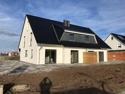 Doppelhaushälfte mit Carport in sehr guter Wohnlage