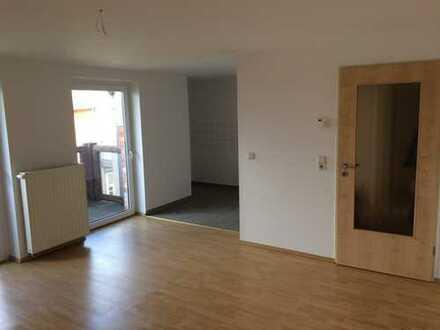 Hoch hinaus! Helle Dachgeschoss-Wohnung mit Balkon
