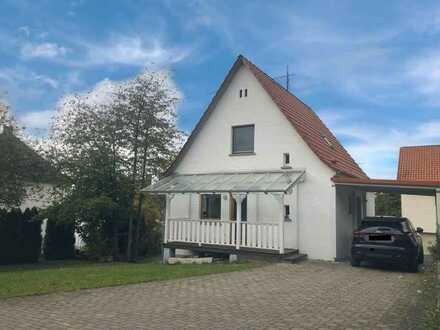 Charmantes Einfamilienhaus mit Garten