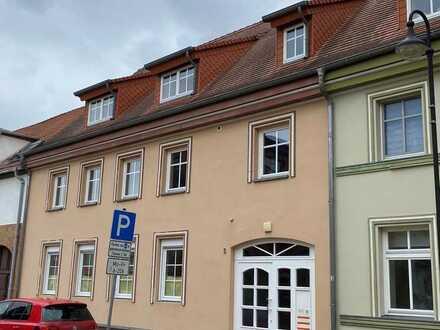 Sanierte sehr große Terrassenwohnung mit drei Zimmern in Vetschau