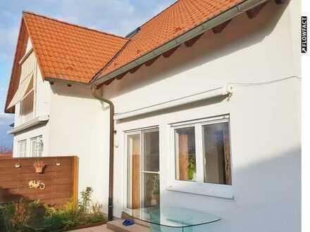 Wohlfühl-Nest in Baden-Baden: Reiheneckhaus ca. (98m²) mit Dachstudio, Keller, Garten & Carport