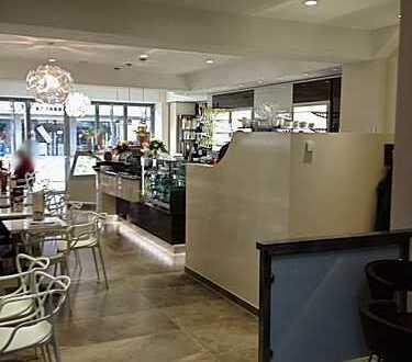 Modern und neu eingerichtetes Eiscafe in Oberhausen Fußgängerzone zu verkaufen