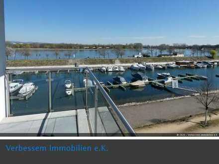 Neuwertige TOP-3 Zi-Whg. mit direktem Blick auf Mainz-Winterhafen, Aufzug und 2 TG-Stellplätzen